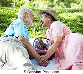 Picnic Seniors - Flirting