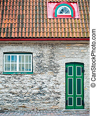 Tallin old town house - beautiful old house with green door...