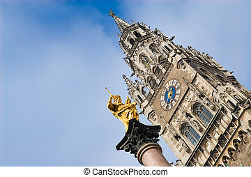 Virgin mary statue in munich - Virgin mary statue in front...