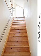 Un, escalera