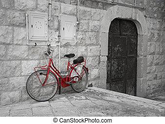 傾倒, 自転車, 赤, に対して, 壁