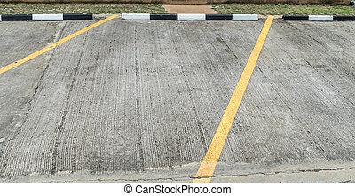 Concrete carpark - Yellow line on concrete carpark