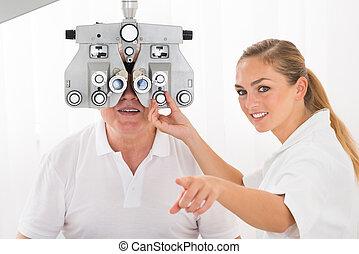 un, optometrista, hacer, vista, Prueba, para, paciente