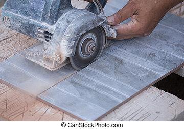 amoladora, trabajador, corte, Utilizar, azulejo, ángulo