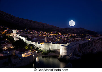 Moonrise over Dubrovnik - Full moon rising over the old city...