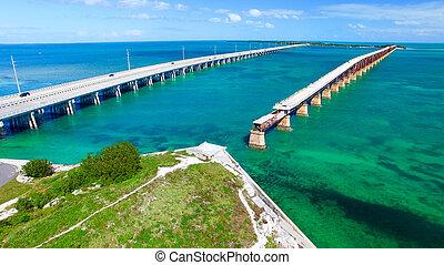 Aerial view of Bahia Honda State Park Bridges, Florida -...
