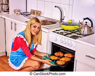 mujer, endurecer, Croissants