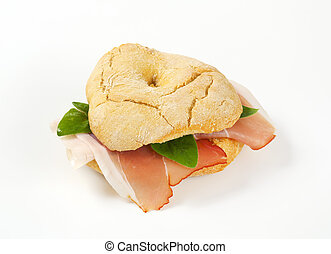 Bread roll (friselle) with Schwarzwald ham - Ring-shaped...