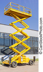Scissor self propelled lift - Mobile aerial work platform -...