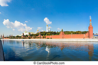 Moscow Kremlin on sunny day - Panoramic view from the river...