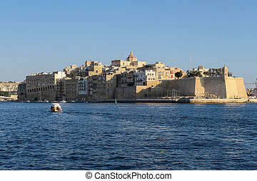Malta, Fort Sain Angelo at Three Cities. Grand Harbour sea view from Valletta.