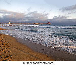 Sunset at Huntington Beach - Famous Huntington Beach pier...