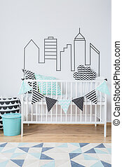 Sleeping in the city centre - Bright interior with baby cot...