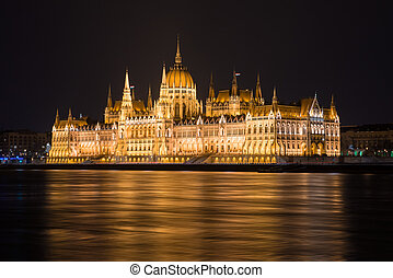 Parliament Building - Hungarian Parliament Building at night...