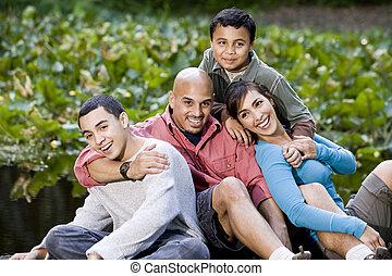 Retrato, hispânico, família, dois, meninos, Ao...