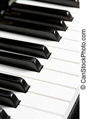 zongora, kulcs