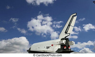 Buran spacecraft -- Soviet orbital vehicle     (time lapse)