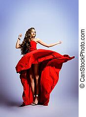Glitzy, suknia