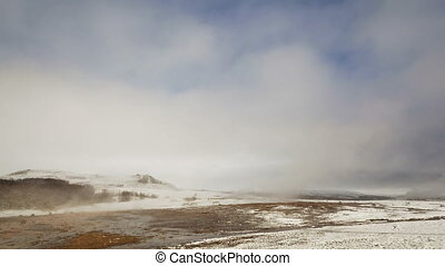 Time lapse of geyser eruption of Strokkur, Iceland - Time...
