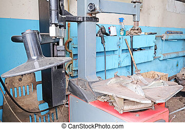 tyre fitting machine - The image of tyre fitting machine