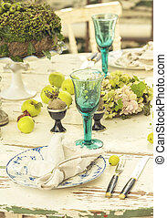 Rustic dinner setting - Image of rustic dinner table...