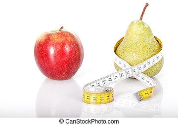 Apfel und Birne - Roter Apfel trift Birne mit Maßband