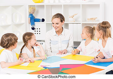 Colourful kindergarten art classes for kids - Pre-school...