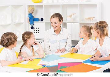 Colourful kindergarten art classes for kids