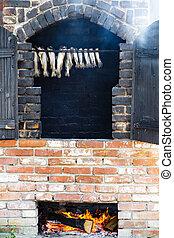 pez, Fumar, en, el, viejo, tradicional, ladrillo, horno