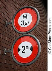 Regulatory road signs - Width and weight restriction road...