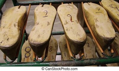 wooden blocks for the manufacture of footwear.