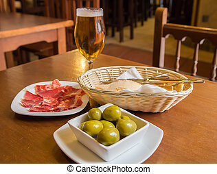olives and ham tapas