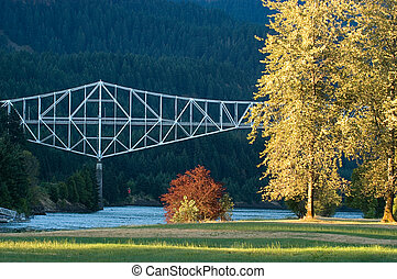Bridge of Gods across Columbia River in Cascade Locks,...