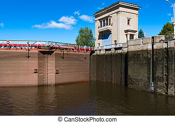 gateway on channel ships - sluice gateway to the river...