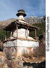 Stupa in Ringmogaon - Ringmogaon - Phoksundo trek - Lower...