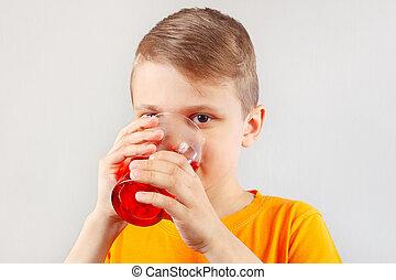pequeno, ENGRAÇADO, Menino, bebendo, fresco, vermelho,...