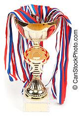 dourado, copo, medalhas, fita