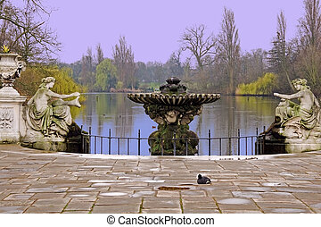 Hyde Park, London, UK - The Long Water, Hyde Park, London,...