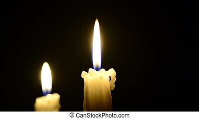 Candles and wind, blinking flame - Candle and wind, blinking...