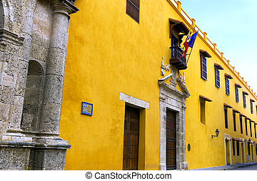 Colonial Architecture in Cartagena - Beautiful yellow...