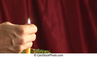 lighting candle loop clos