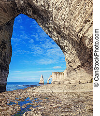 famouse Etretat arch rock, France - Etretat steep arch...
