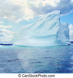 Ice Berg in Newfoundland - Ice Berg in Ocean off...