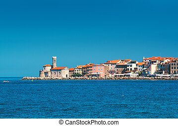 Old town Piran on Slovenian adriatic coast - Picturesque old...