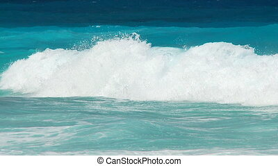 perfect waves part I - perfect witecaps in slow motion part...