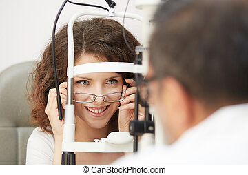 optometrist working