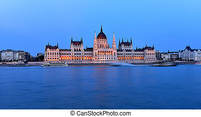 Budapest parliament at blue hour near the Danube riverr