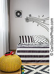 Dreamy bedroom of a music lover - Light bedroom with music...