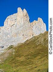 Pyrenees - Aiguilles du Ansabere in Lescun Cirque Aspe...