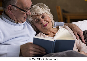 Couple sleeping couch images and stock photos 284 couple for Couch you can sleep on
